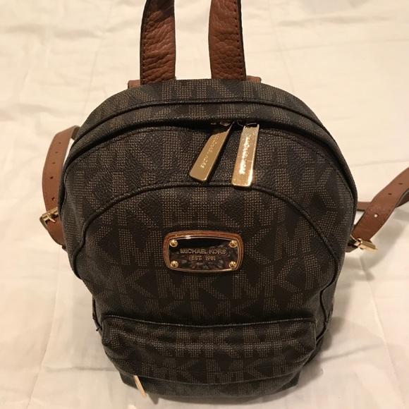 Michael Kors Jet Set Signature Backpack (Small). M 5b89e2c34cdc30fb6bca0dc9 9d922a90b216e